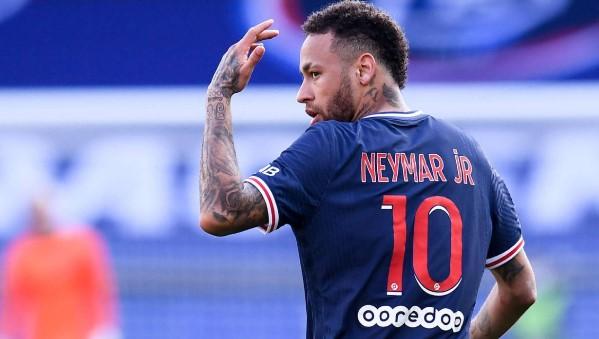ФФЛ наложиха наказание от два мача на звездата на Пари Сен Жермен - Неймар bet365