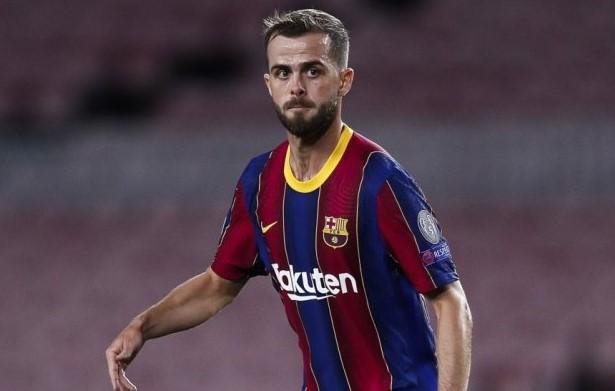 Челси и Интер са насочили интереса си към халфа на Барселона Миралем Пянич bet365