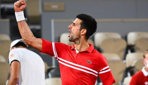 Новак Джокович достигна до полуфиналите в Париж bet365